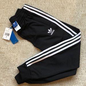 adidas Bottoms - NWT Adidas youth pants